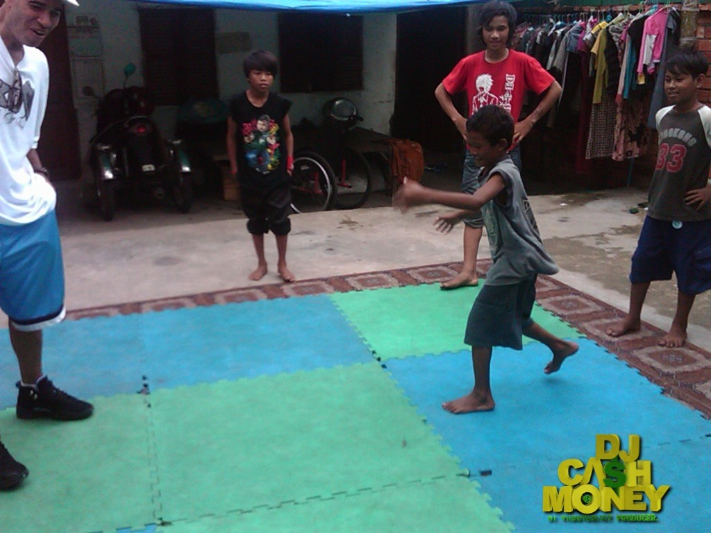 Tiny Toones -I tried to battle this kid.What was i thinking?  He baet me with my own moves..Hahahaha. Cambodia copy
